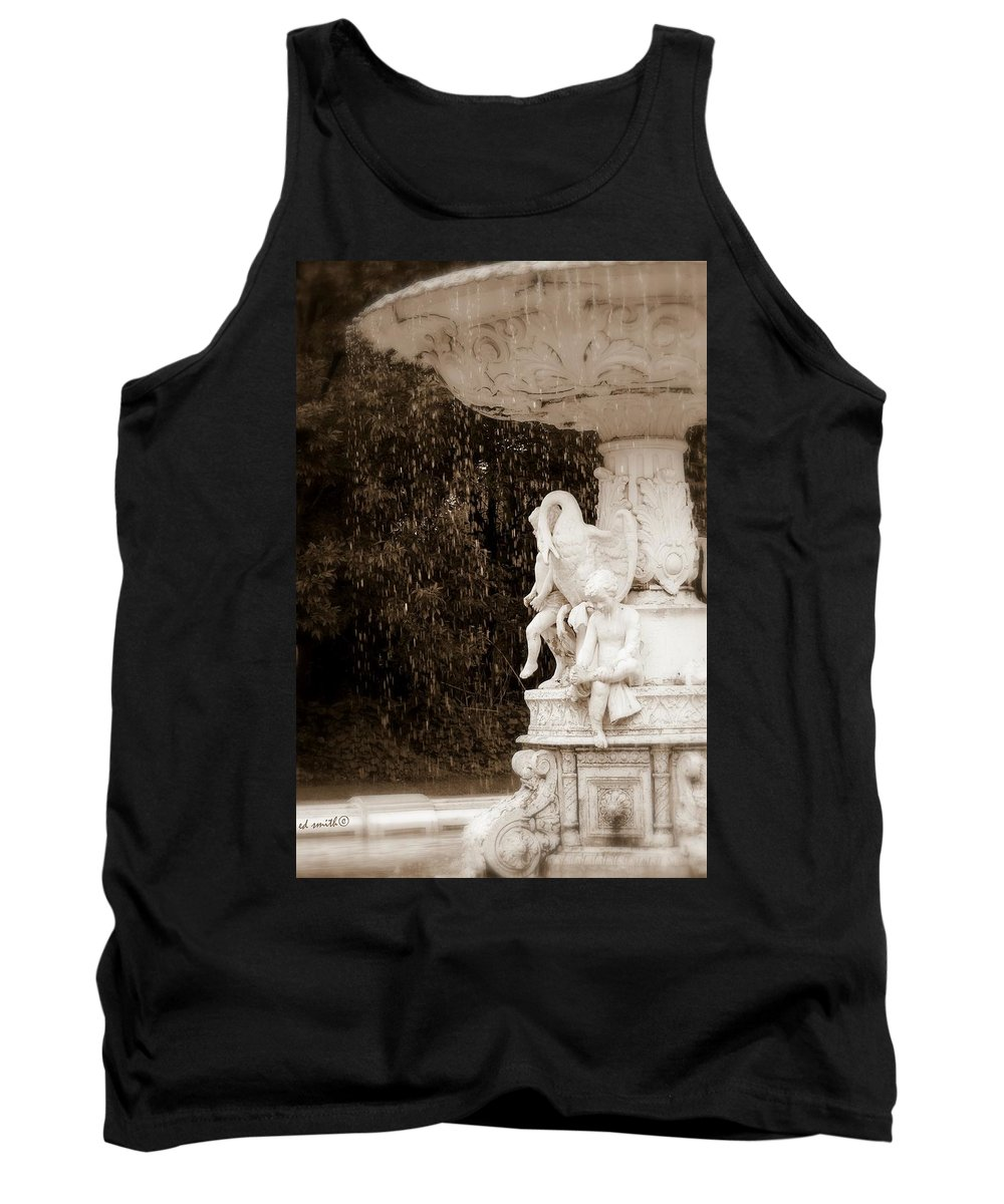The Great Swan Tank Top featuring the photograph The Great Swan by Ed Smith