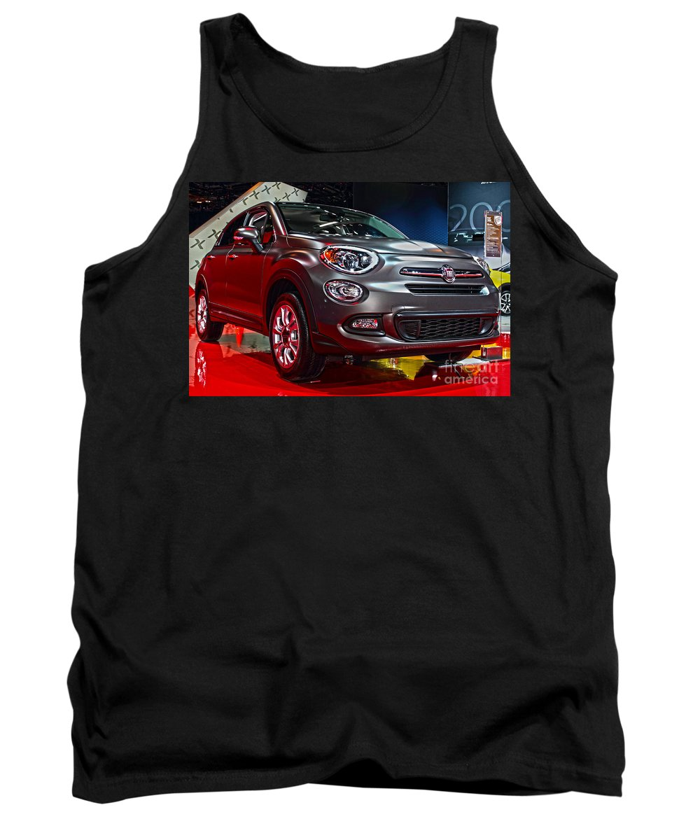 Auto Tank Top featuring the photograph 2016 Fiat 500x by Alan Look