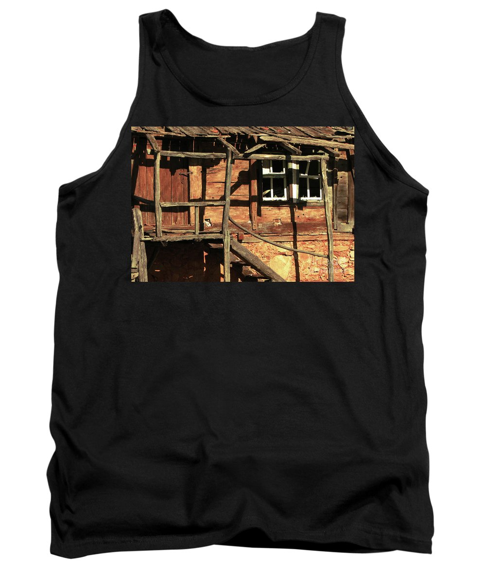 Home Tank Top featuring the photograph Abandoned Home by Christo Christov