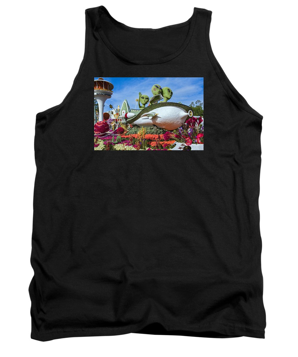 Tournament Of Roses Tank Top featuring the photograph Aliens Spaceship 3 by David Zanzinger