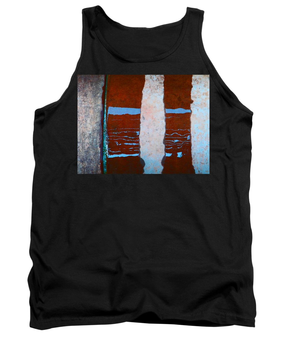 Abstract Tank Top featuring the photograph Alternate Reality 20 by Lenore Senior