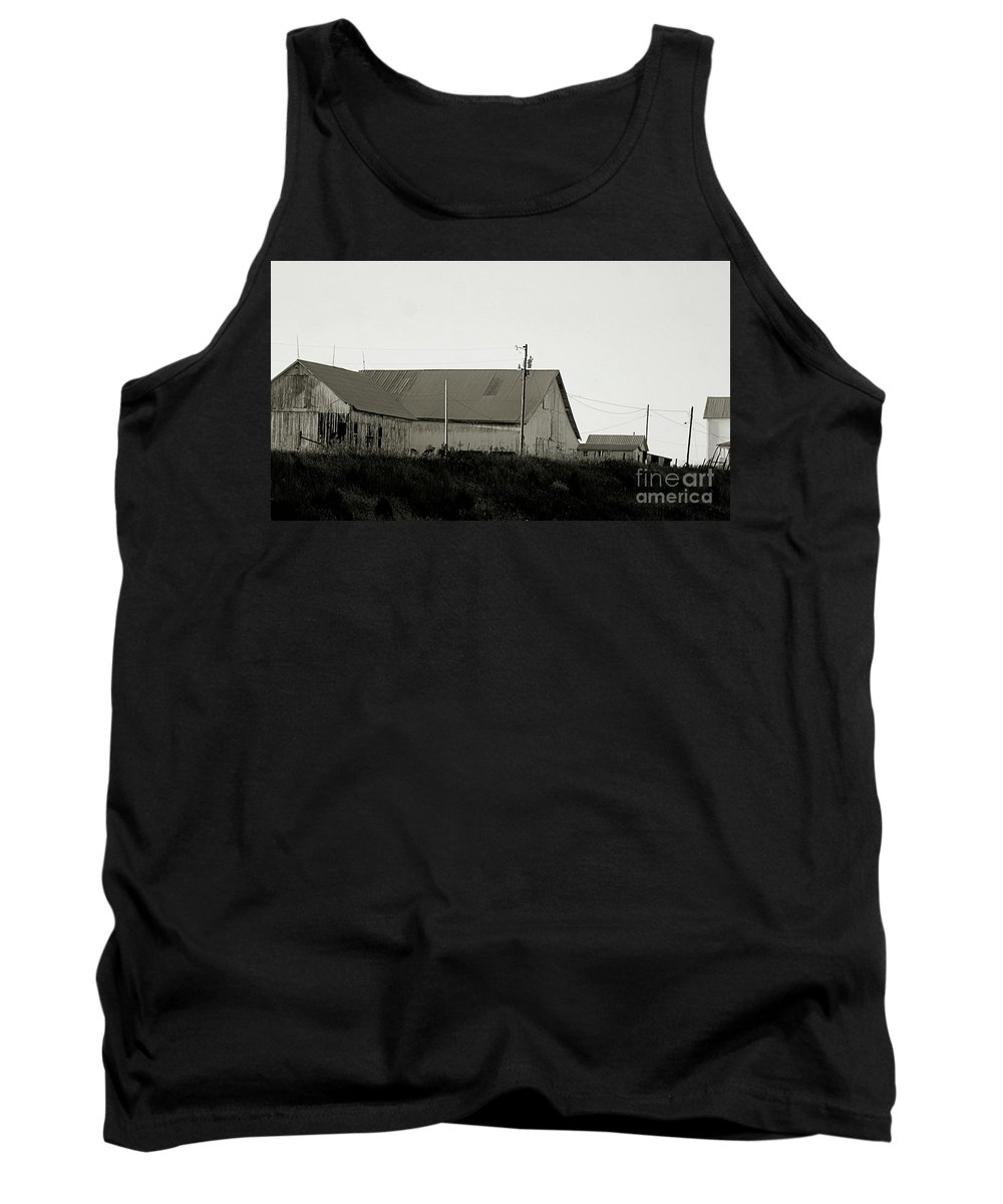 Indiana Tank Top featuring the photograph An Old Weathered Barn by Scott D Van Osdol