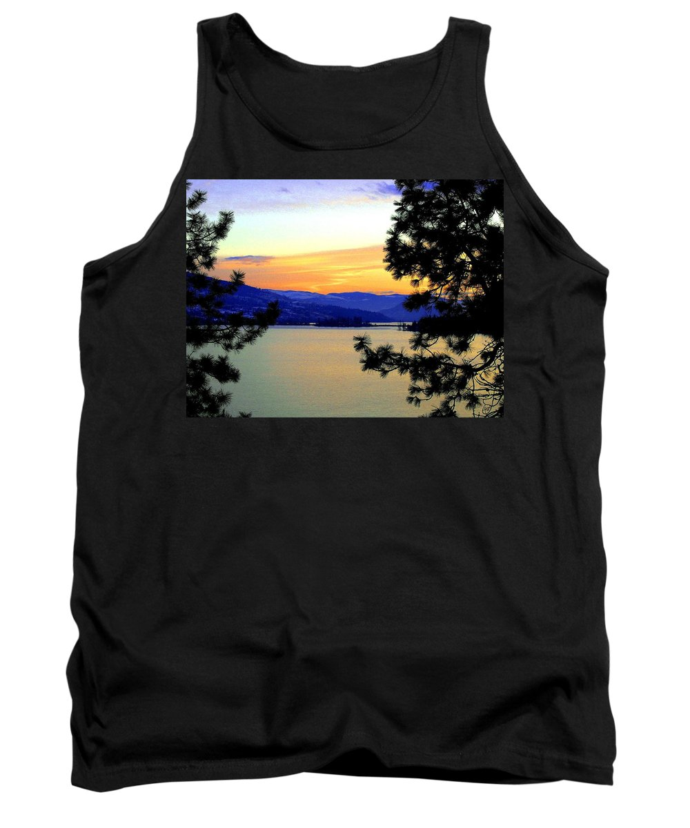 Oyama Tank Top featuring the photograph Beautiful Oyama Isthmus by Will Borden