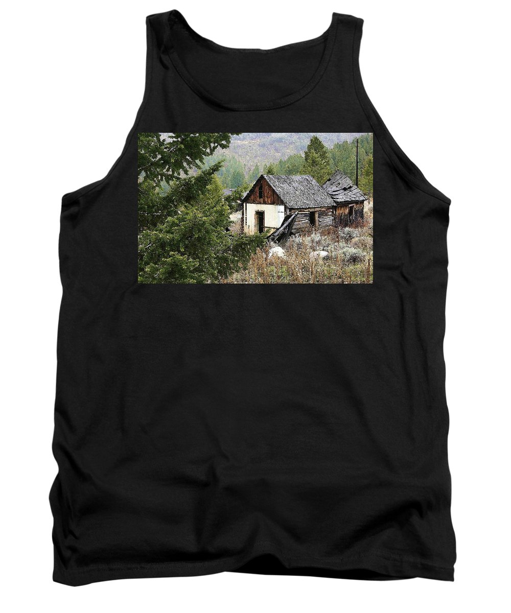 Cabin Tank Top featuring the photograph Cabin In Need Of Repair by Nelson Strong