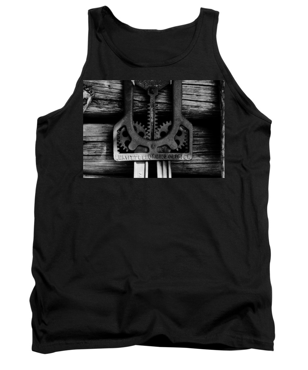 Gears Tank Top featuring the photograph Clipper Gears by David Lee Thompson