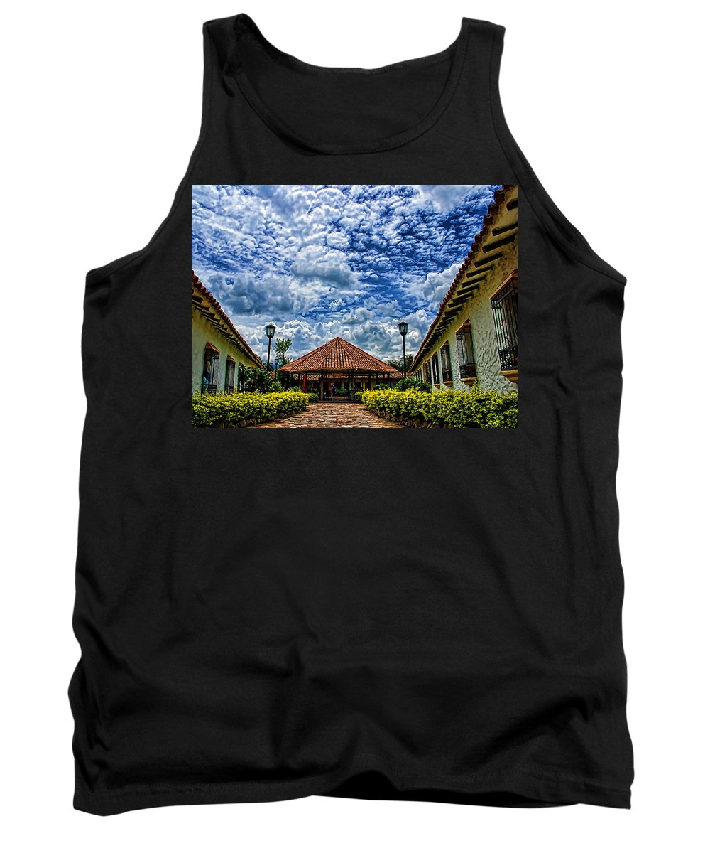 Colonial Tank Top featuring the photograph Colonial House by Galeria Trompiz