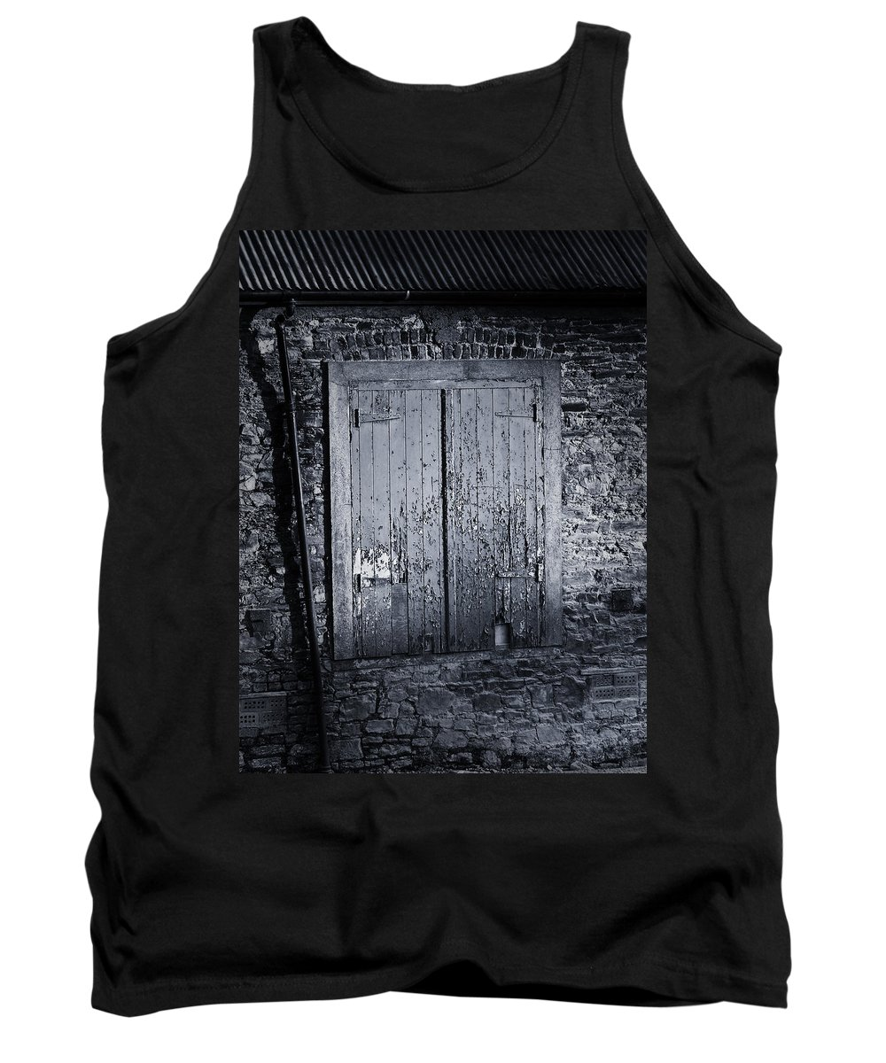 Irish Tank Top featuring the photograph Door To Nowhere Blarney Ireland by Teresa Mucha