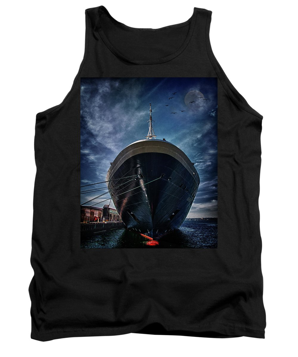 Cruise Tank Top featuring the photograph Dutchman by Chris Lord