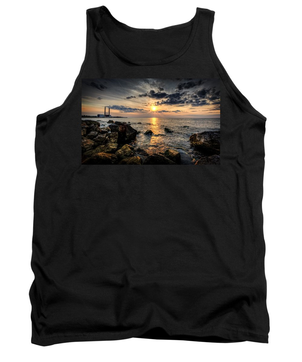 Sunset Tank Top featuring the photograph End Of The Day by Everet Regal