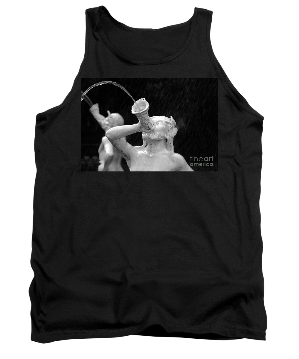 Fountain Tank Top featuring the photograph Fountain Dreams by David Lee Thompson