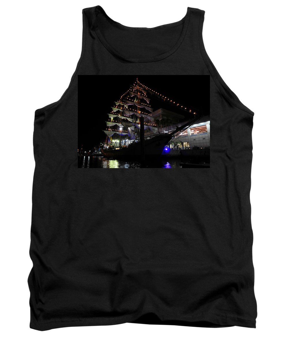 Columbia Tank Top featuring the photograph Gloria by David Lee Thompson