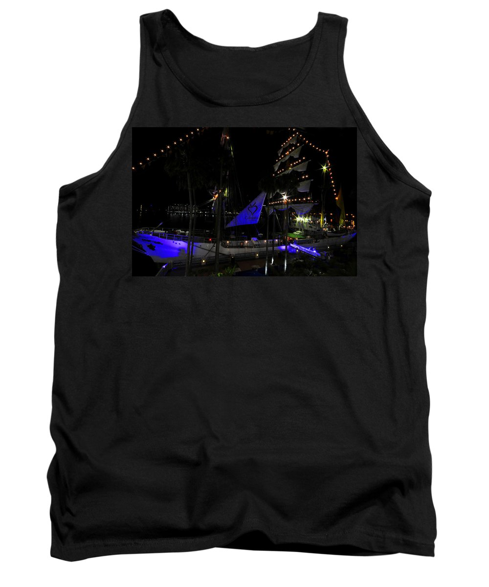 Columbia Tank Top featuring the photograph Gloria Of Columbia by David Lee Thompson
