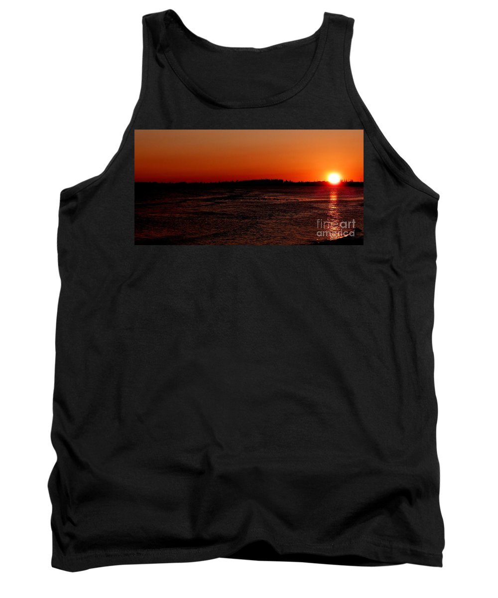 Cayman Islands Stock Photographs Tank Top featuring the photograph Going Down by Amar Sheow