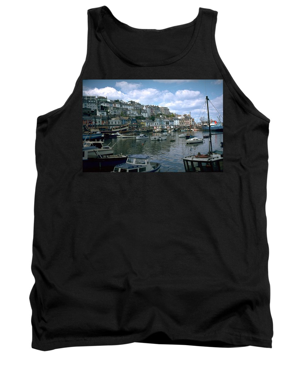 Great Britain Tank Top featuring the photograph Harbor by Flavia Westerwelle
