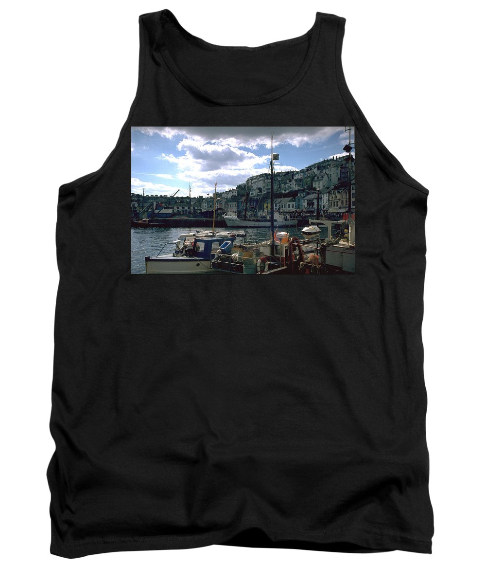 Great Britain Tank Top featuring the photograph Harbor II by Flavia Westerwelle