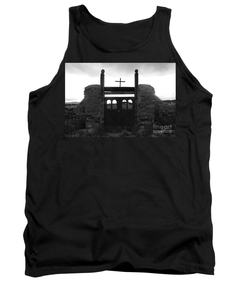 Heaven Tank Top featuring the photograph Heaven's Gate by David Lee Thompson