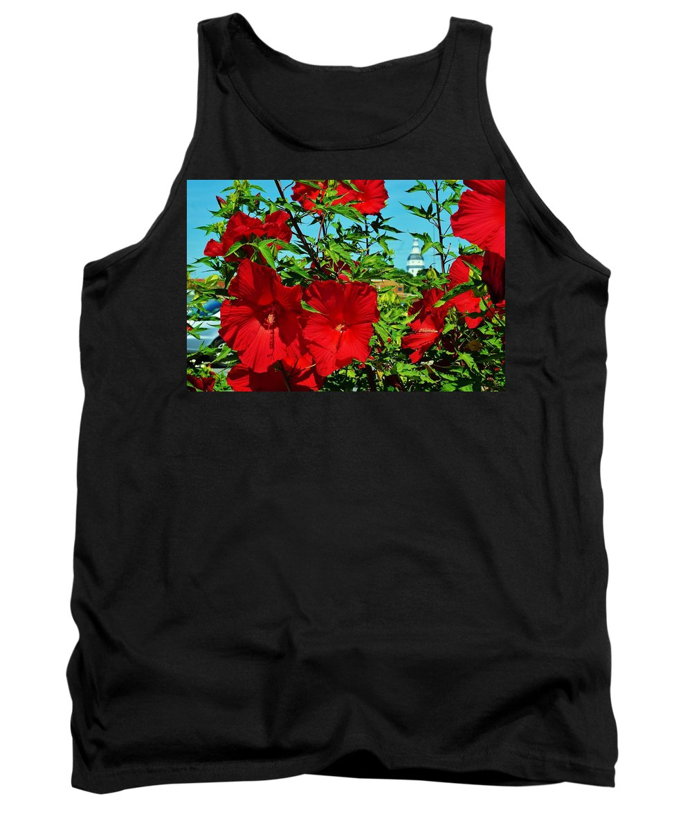 Annapolis Tank Top featuring the photograph Hibiscus In Naptown by Beth Deitrick