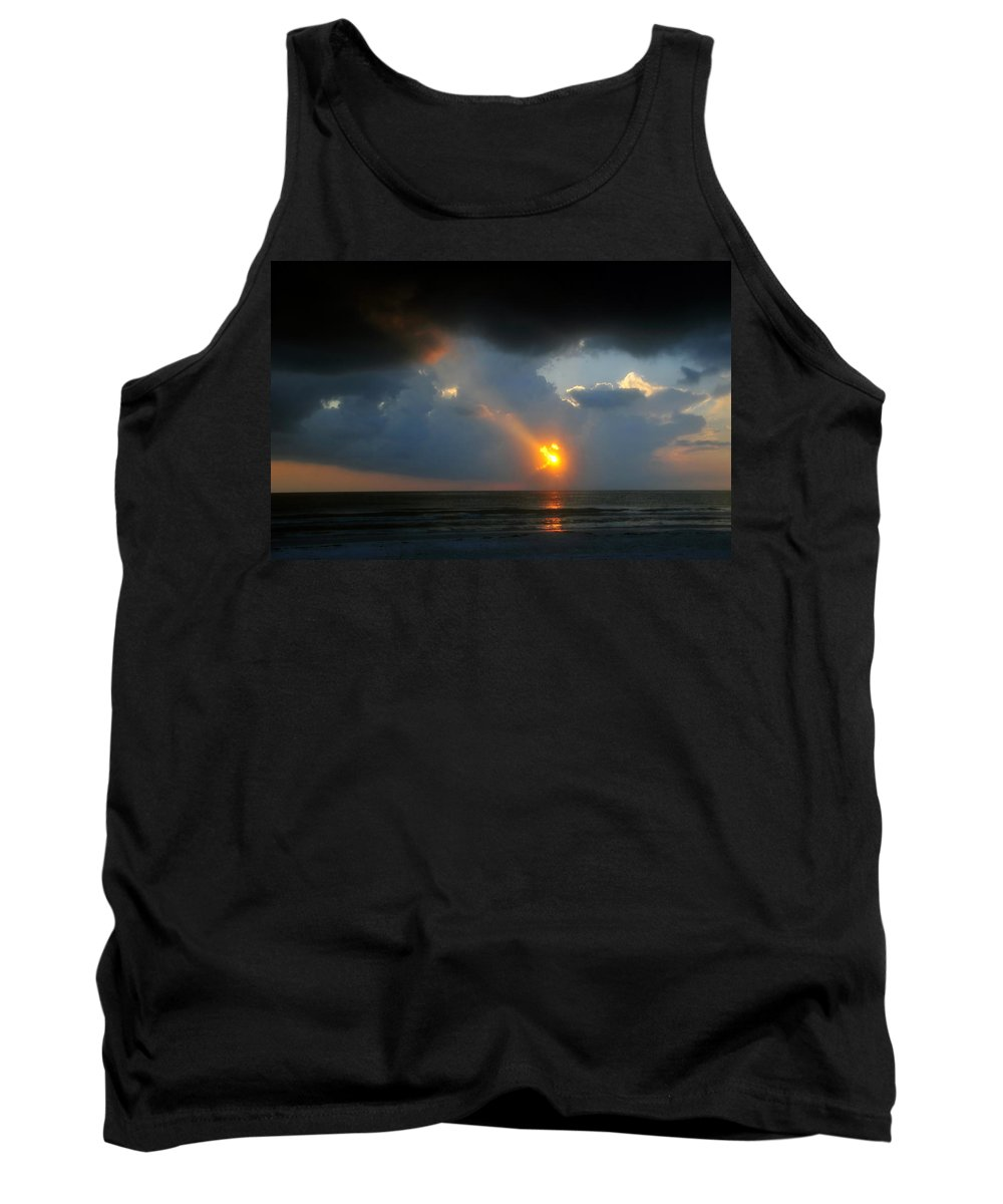 Beach Tank Top featuring the photograph Hole In The Gulf by David Lee Thompson
