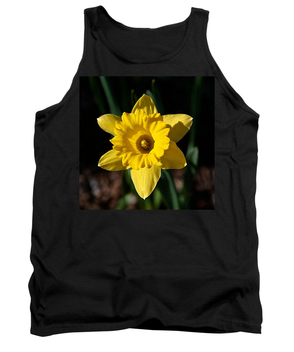 Flower Tank Top featuring the photograph In All Its Glory by Robert Pearson