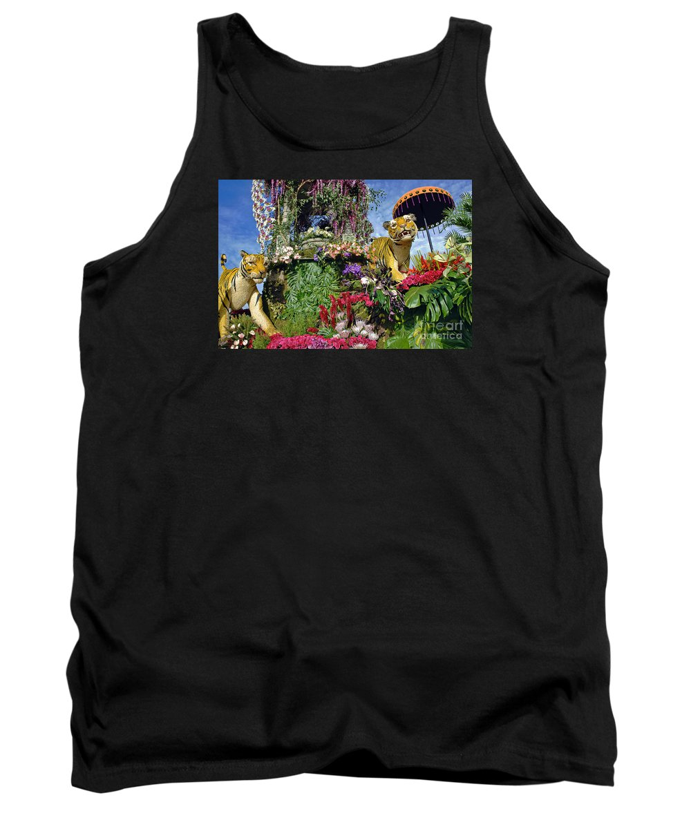 Tournament Of Roses Tank Top featuring the photograph Its A Jungle Out There by David Zanzinger