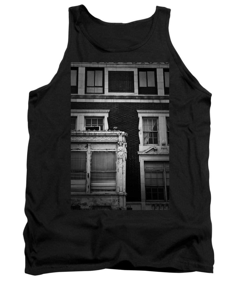 Roanoke Tank Top featuring the photograph Lady Of The Patrick Henry Hotel Roanoke Virginia by Teresa Mucha