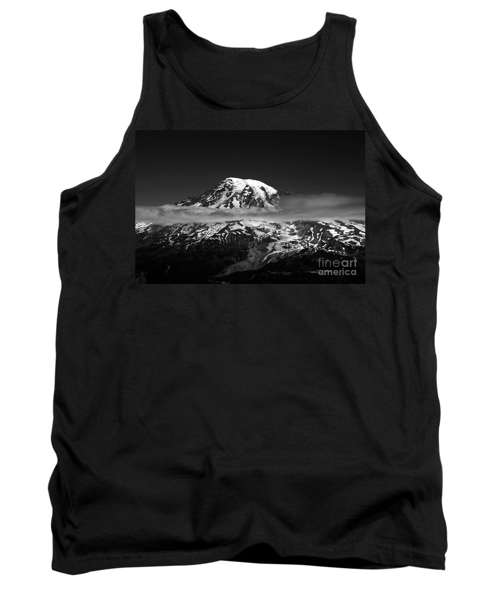 Mount Rainier Tank Top featuring the photograph Mount Rainier by David Lee Thompson