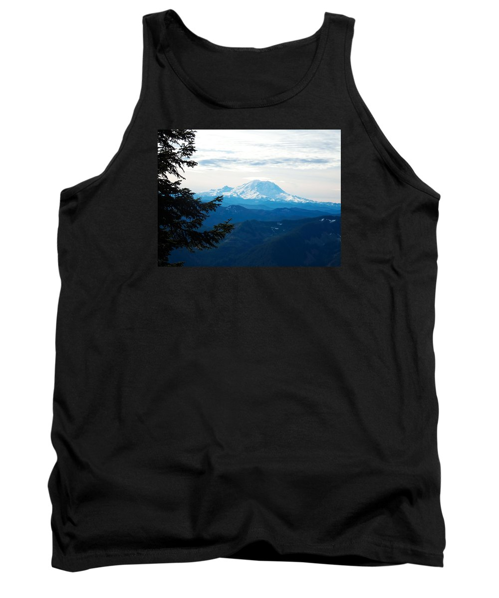 Landscape Tank Top featuring the photograph Mt Rainier And Lenticular Cloud by Kenneth Willis
