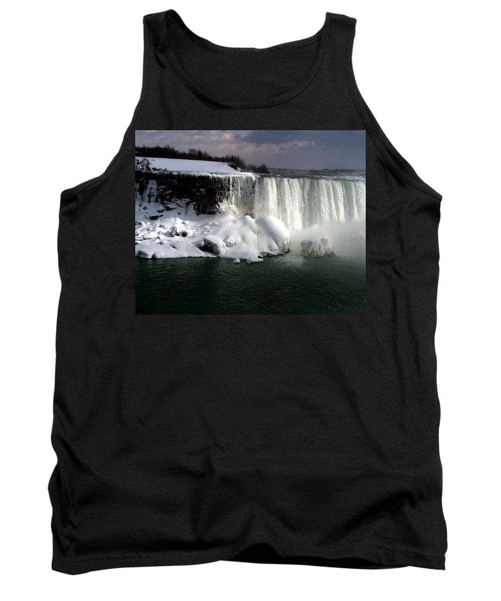 Landscape Tank Top featuring the photograph Niagara Falls 6 by Anthony Jones