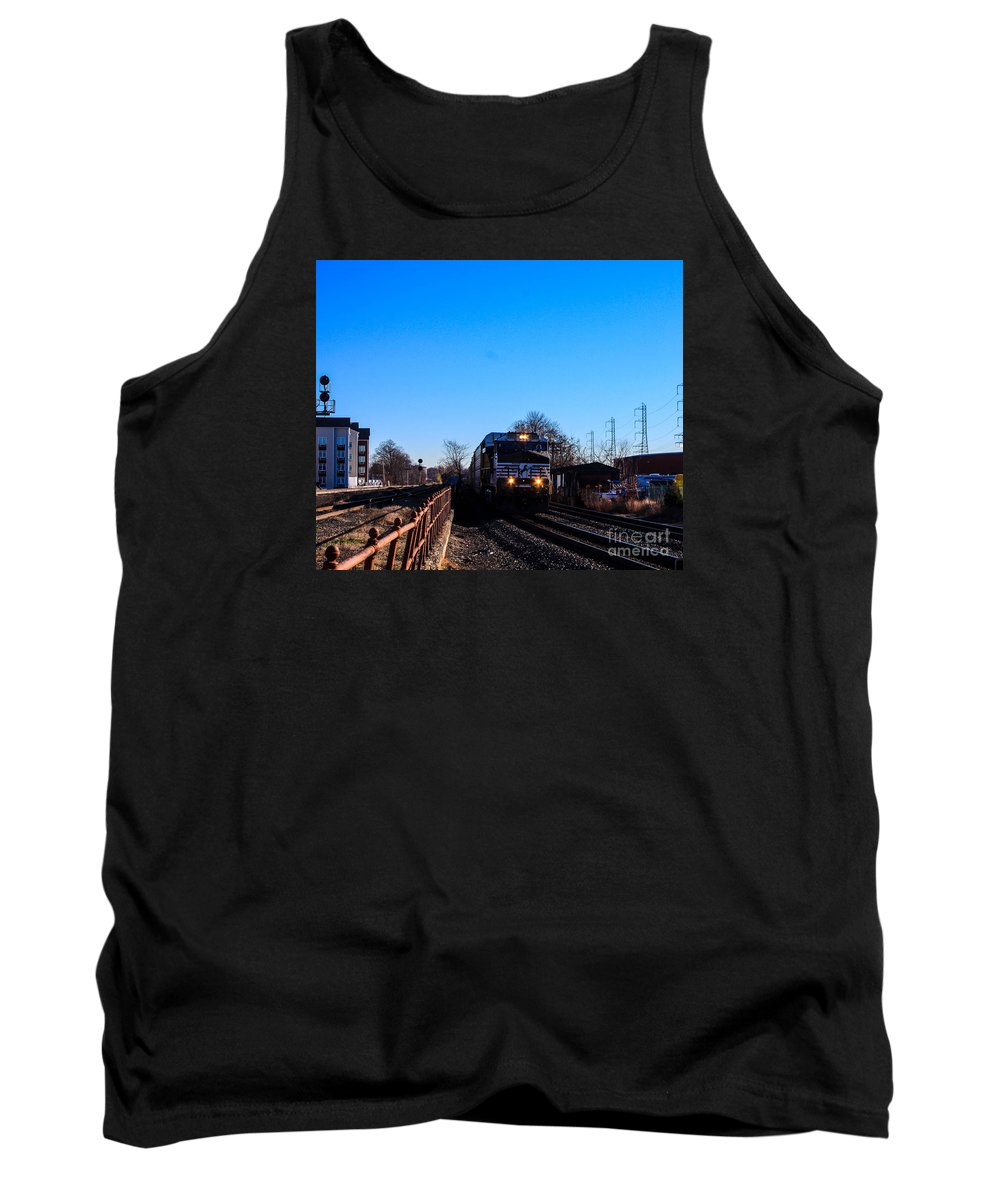 Norfolk Southern Engine Tank Top featuring the photograph Norfolk Southern Engine by William Rogers