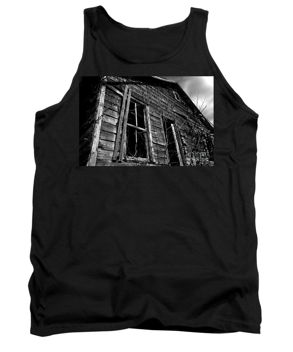 old House Tank Top featuring the photograph Old House by Amanda Barcon