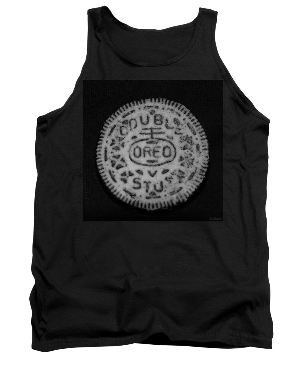Oreo Tank Top featuring the photograph Oreo In Matte Finish by Rob Hans