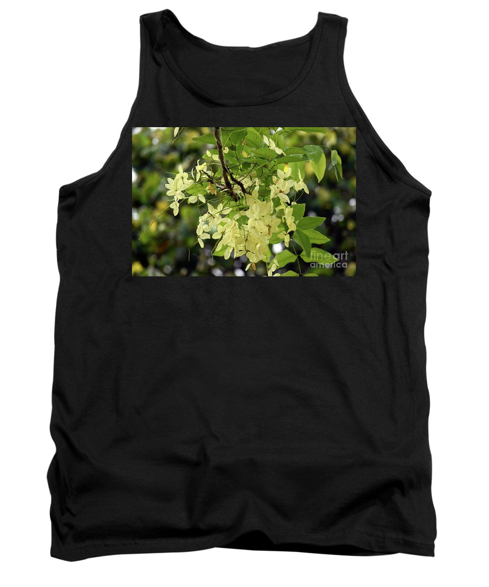 Flowers Tank Top featuring the photograph Pale And Delicate by William Tasker