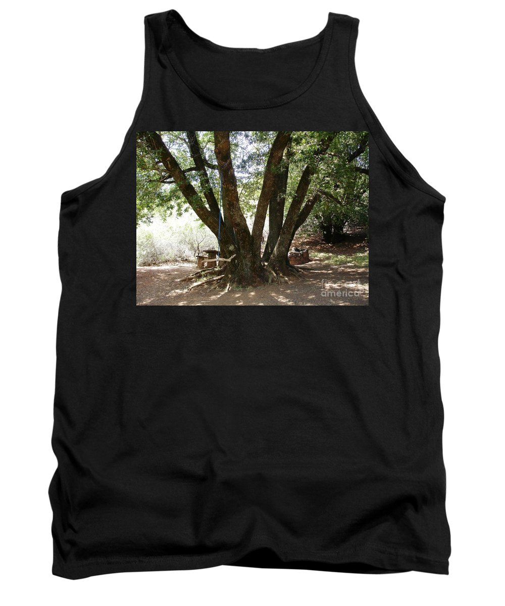 Picnic Tank Top featuring the photograph Perfect Picnic Tree by Carol Groenen