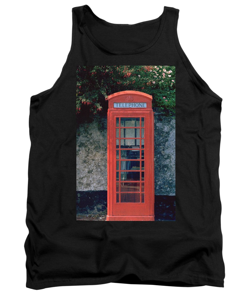 Great Britain Tank Top featuring the photograph Phone Booth by Flavia Westerwelle