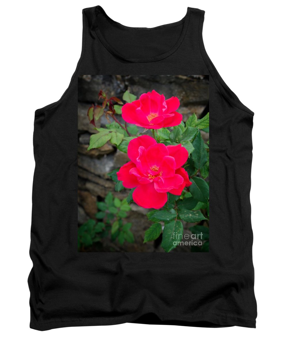 Rose Tank Top featuring the photograph Roses Are Red by Gary Richards