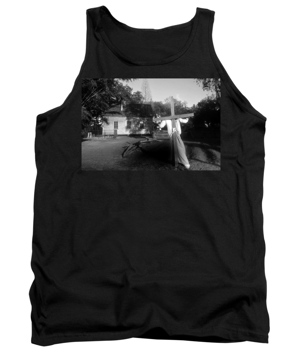 Scarecrow Tank Top featuring the photograph Scarecrow by David Lee Thompson
