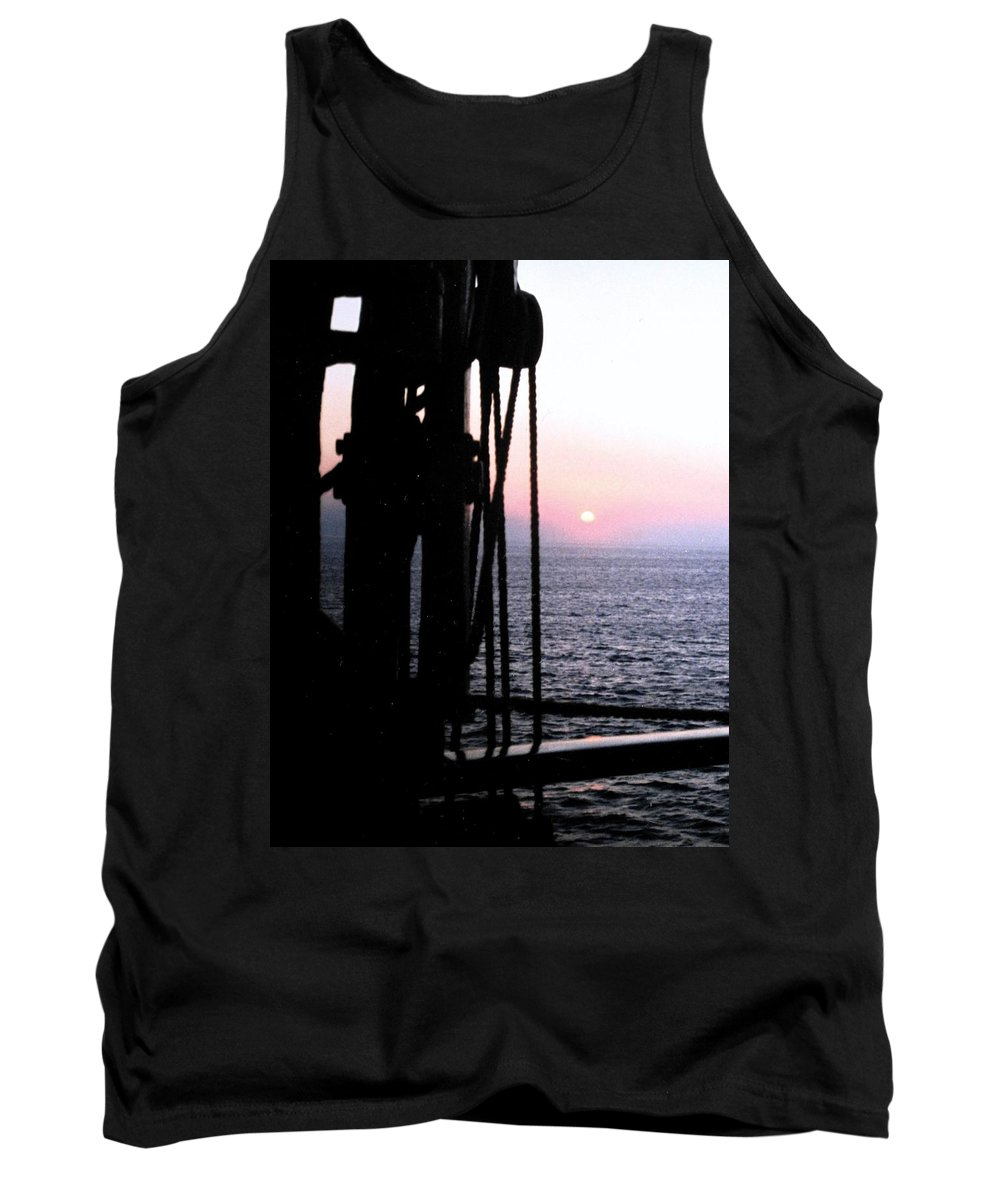 Ship Tank Top featuring the photograph Sinking Sun by Ian MacDonald