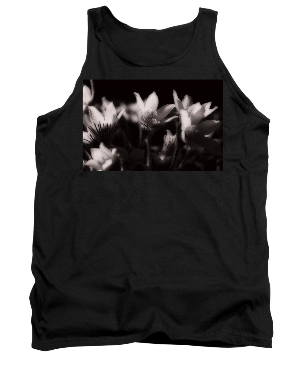 Flowers Tank Top featuring the photograph Sleepy Flowers by Marilyn Hunt