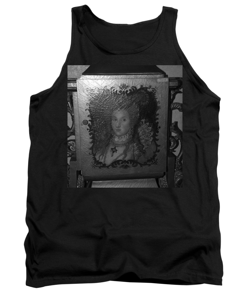 Queen Tank Top featuring the photograph Some Old Queen by Rob Hans