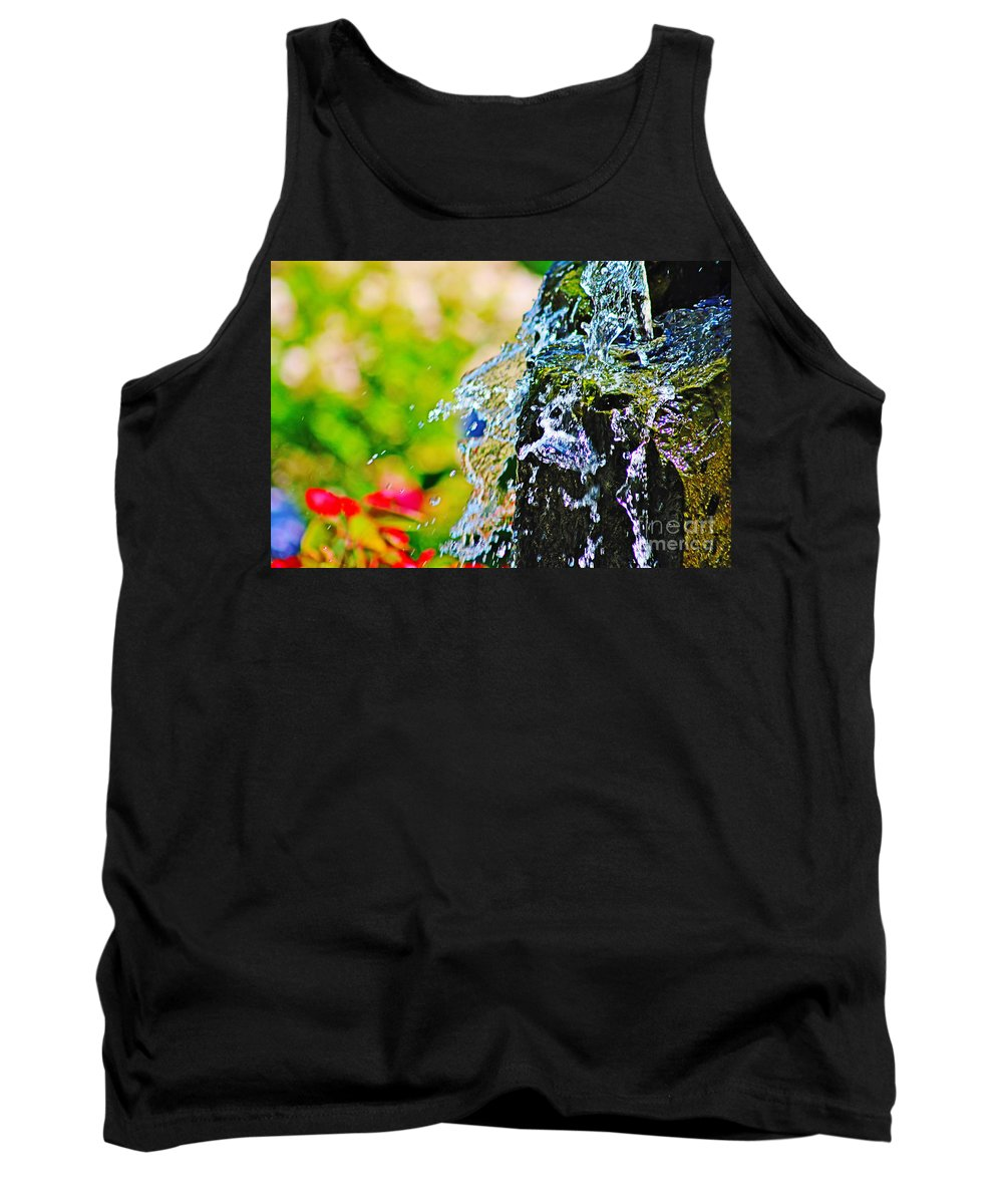 Nature Tank Top featuring the photograph Splash by Don Baker