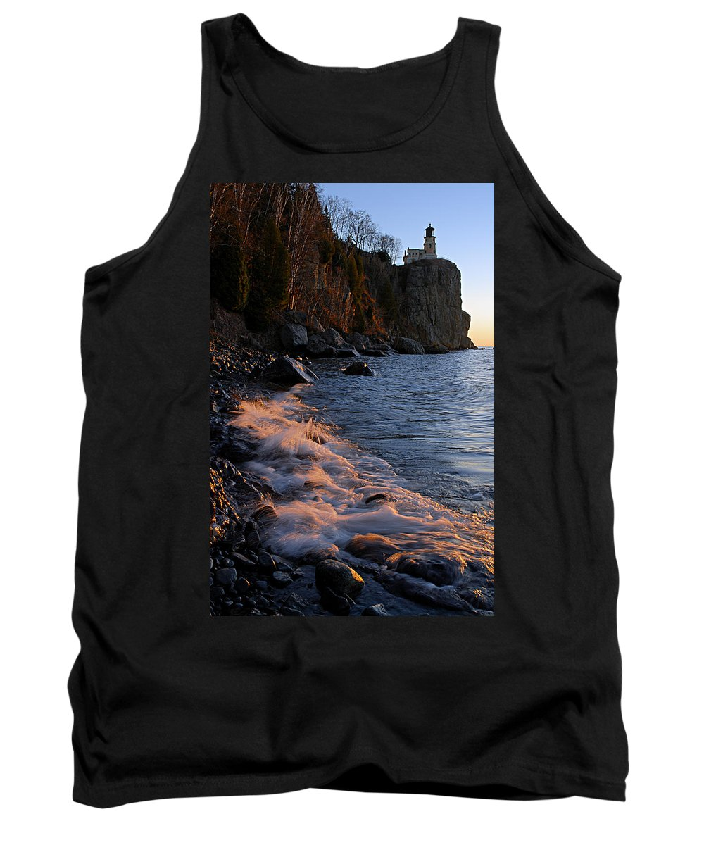 Split Rock Lighthouse Tank Top featuring the photograph Split Rock Lighthouse At Dawn by Larry Ricker