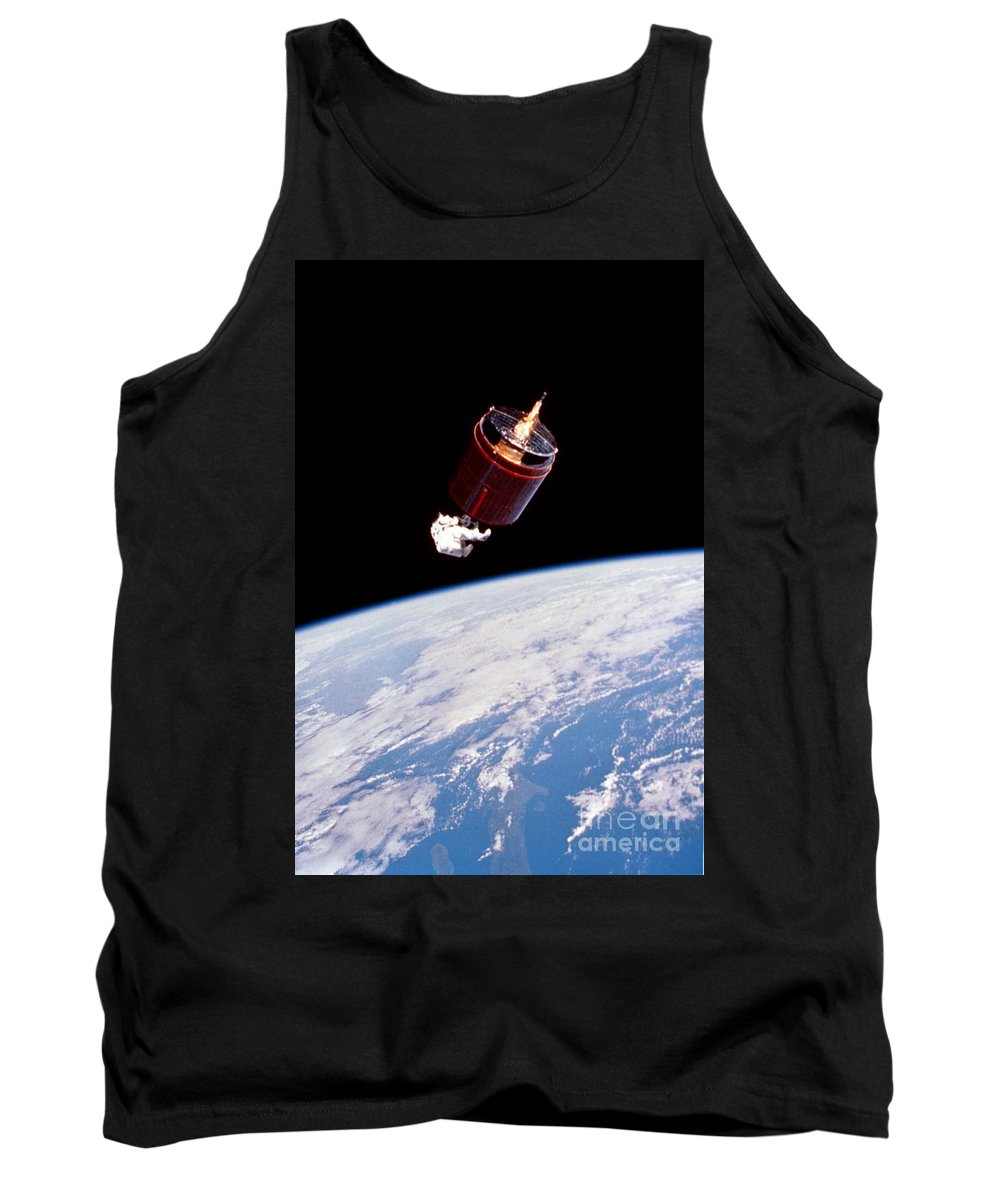 Nasa Tank Top featuring the photograph Stabilizing Spacecraft by Science Source/NASA