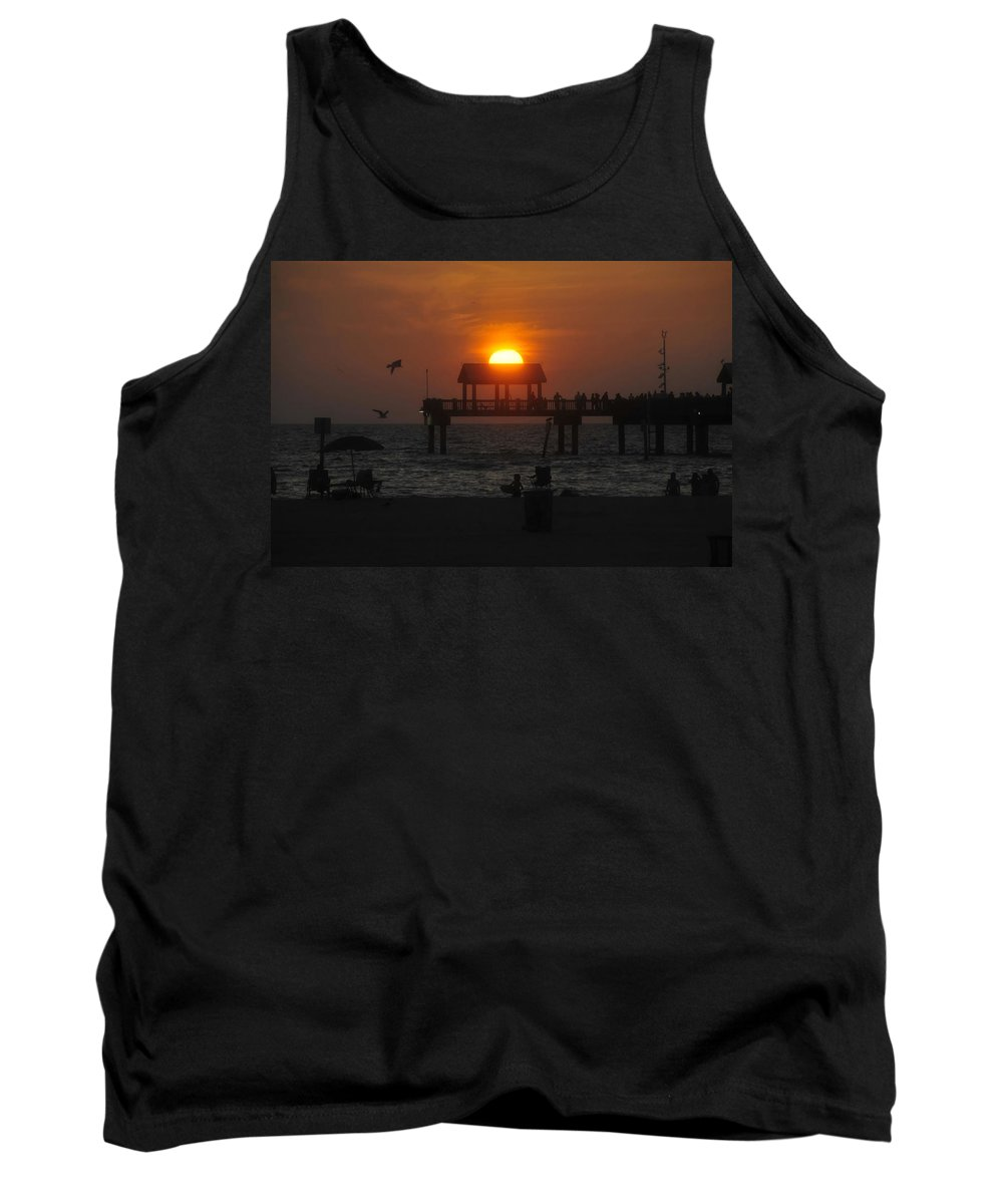 Sunset Tank Top featuring the photograph Sundown by David Lee Thompson