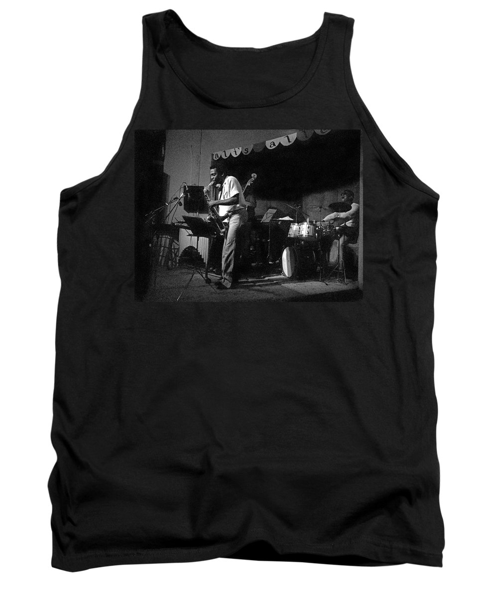 Sunny Murray At Ali's Alley Tank Top featuring the photograph Sunny Murray 2 by Lee Santa