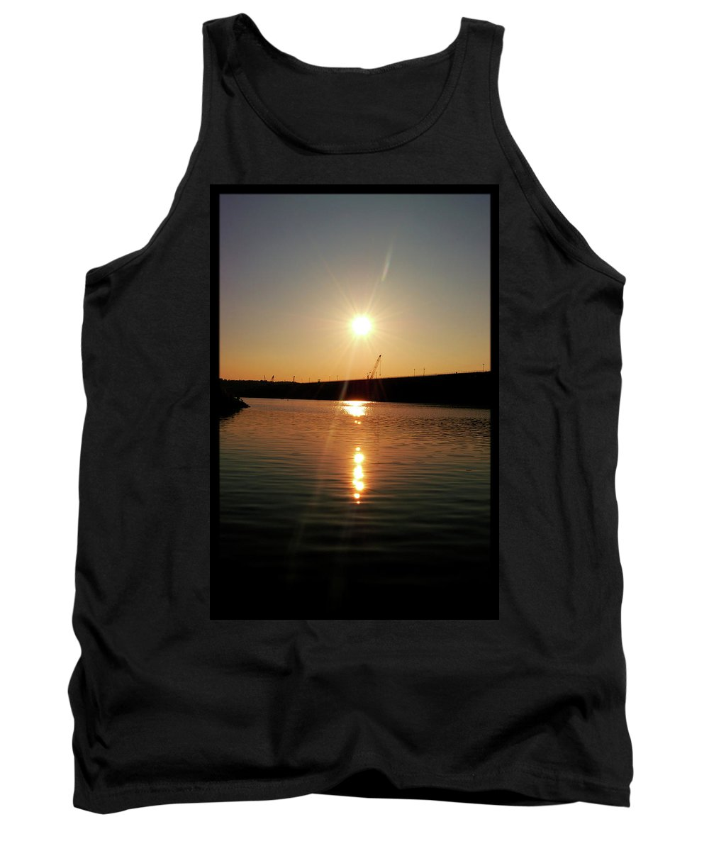 Lake Tank Top featuring the photograph Sunset At Wolf Creek Dam by Amber Flowers