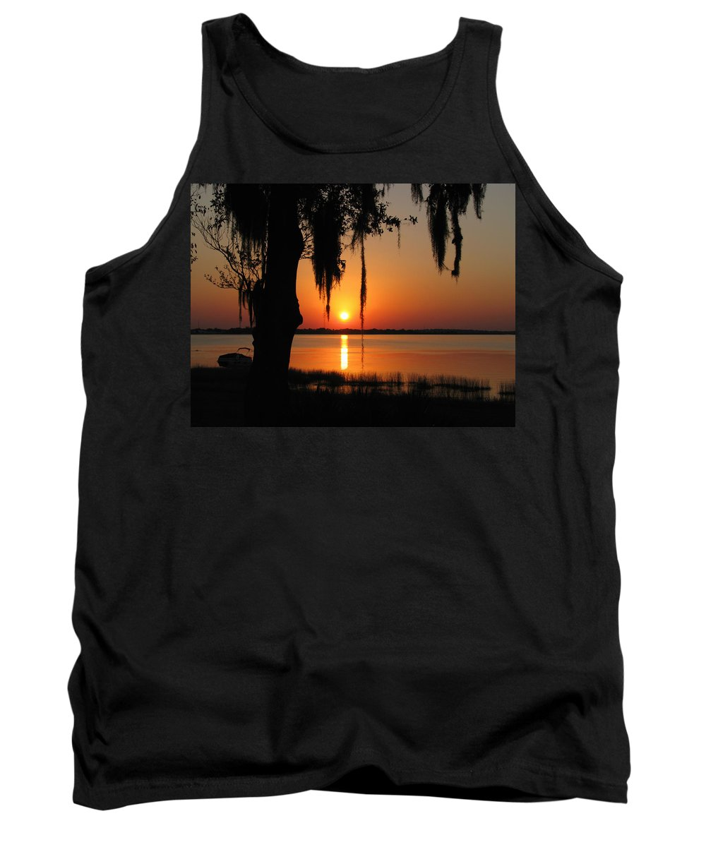 Nature Tank Top featuring the photograph Sunset On Lake Minneola by Peg Urban
