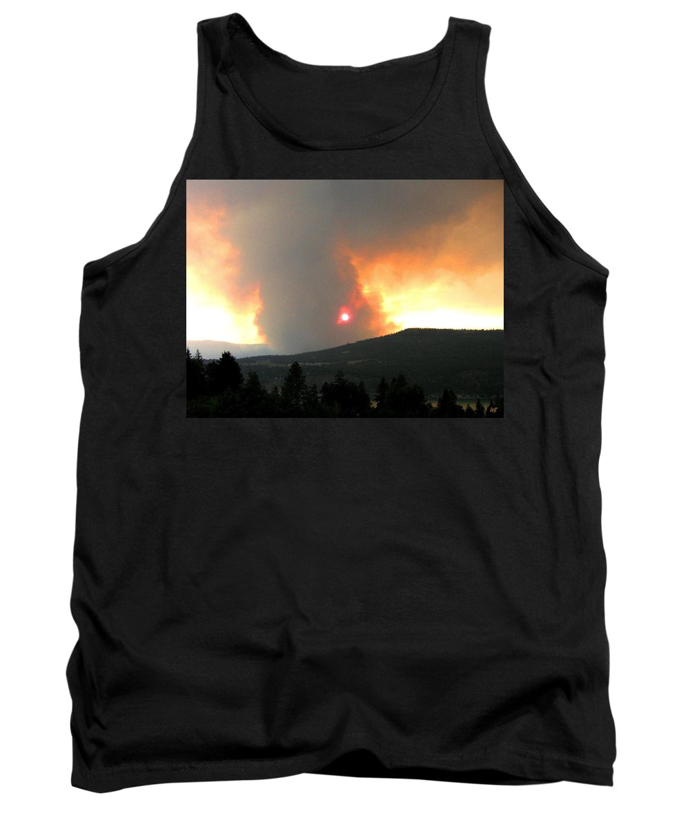 Forest Fire Tank Top featuring the photograph Terrace Mountain Fire 3 by Will Borden