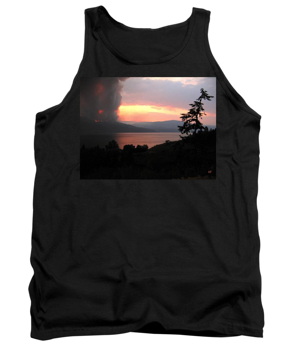Forest Fire Tank Top featuring the photograph Terrace Mountain Fire 4 by Will Borden
