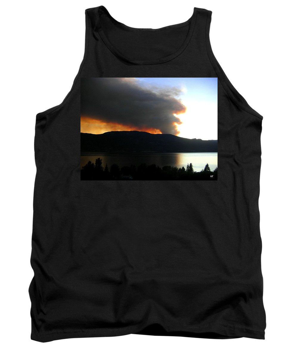 Forest Fire Tank Top featuring the photograph Terrace Mountain Fire by Will Borden
