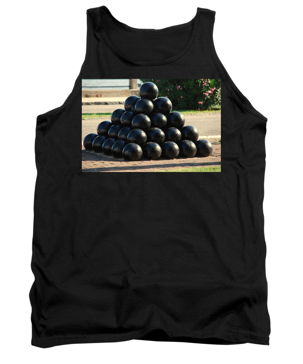 Cannon Balls Tank Top featuring the photograph The Cannonballs At The Battery In Charleston Sc by Susanne Van Hulst